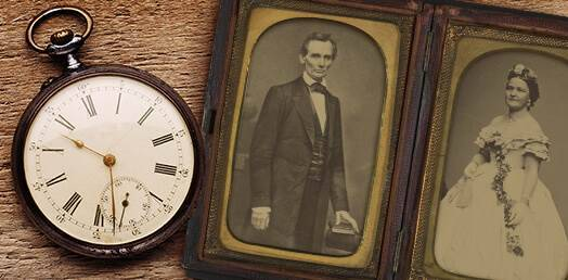 Clock and picture of Abraham Lincoln
